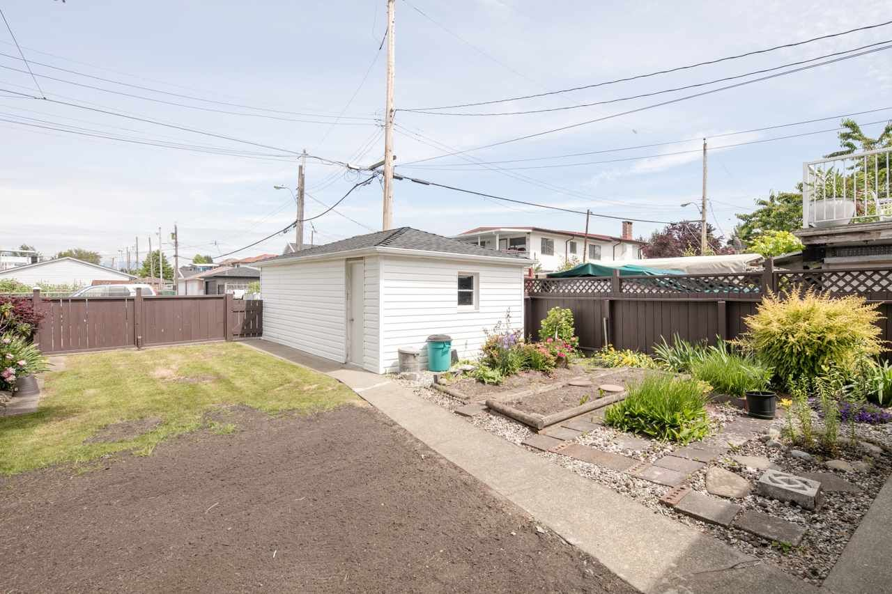 Photo 2: Photos: 3025 E 45TH Avenue in Vancouver: Killarney VE House for sale (Vancouver East)  : MLS®# R2083765