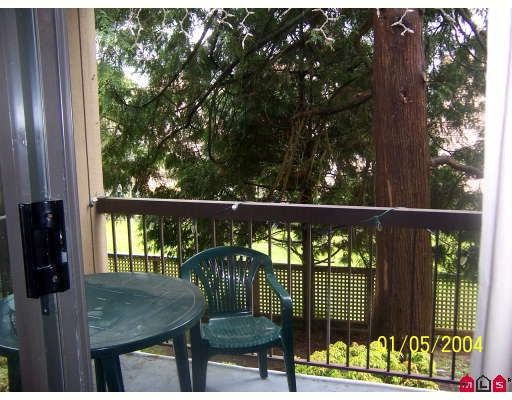 """Photo 7: Photos: 2111 13819 100TH Avenue in Surrey: Whalley Condo for sale in """"CARRIAGE LANE"""" (North Surrey)  : MLS®# F2814951"""