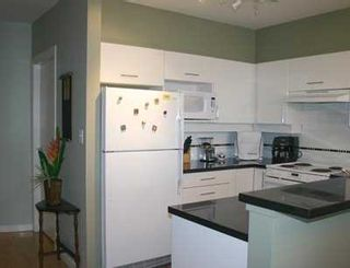 """Photo 5: 303 1688 CYPRESS ST in Vancouver: Kitsilano Condo for sale in """"YORKVILLE SOUTH"""" (Vancouver West)  : MLS®# V605658"""