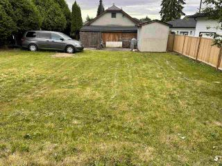 """Photo 2: 918 TWENTIETH Street in New Westminster: Connaught Heights House for sale in """"Connaught Heights"""" : MLS®# R2589843"""