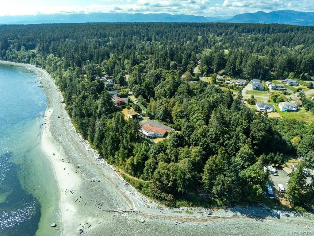 Main Photo: 5684 Seacliff Rd in : CV Comox Peninsula House for sale (Comox Valley)  : MLS®# 852423