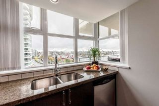 """Photo 7: 905 125 MILROSS Avenue in Vancouver: Mount Pleasant VE Condo for sale in """"CREEKSIDE"""" (Vancouver East)  : MLS®# R2218297"""