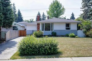 Main Photo: 719 94 Avenue SW in Calgary: Haysboro Detached for sale : MLS®# A1132761