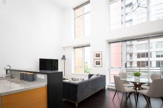 Photo 4: 301 29 SMITHE MEWS in Vancouver: Yaletown Condo for sale (Vancouver West)  : MLS®# R2411644