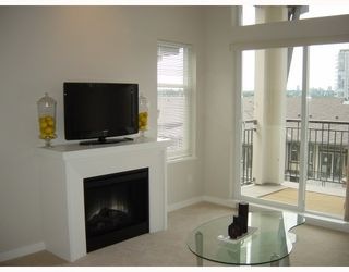 Photo 4: 409 4799 Brentwood Dr. in Burnaby: Brentwood Park Condo for sale (Burnaby North)  : MLS®# V729814
