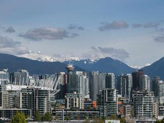 """Photo 11: 316 2515 ONTARIO Street in Vancouver: Mount Pleasant VW Condo for sale in """"ELEMENTS"""" (Vancouver West)  : MLS®# R2197101"""