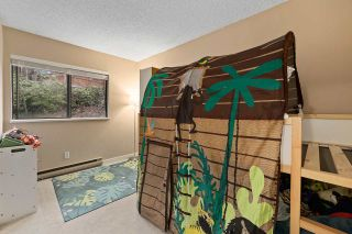 "Photo 14: 915 BRITTON Drive in Port Moody: North Shore Pt Moody Townhouse for sale in ""WOODSIDE VILLAGE"" : MLS®# R2554809"
