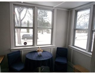 Photo 2: 927 CALROSSIE Boulevard in WINNIPEG: Fort Garry / Whyte Ridge / St Norbert Residential for sale (South Winnipeg)  : MLS®# 2904684