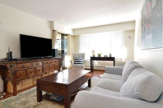 """Photo 3: 306 436 SEVENTH Street in New Westminster: Uptown NW Condo for sale in """"Regency Court"""" : MLS®# R2242396"""