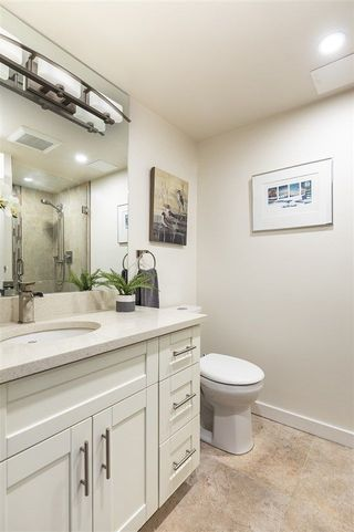 """Photo 17: 1501 130 E 2ND Street in North Vancouver: Lower Lonsdale Condo for sale in """"The Olympic"""" : MLS®# R2268465"""