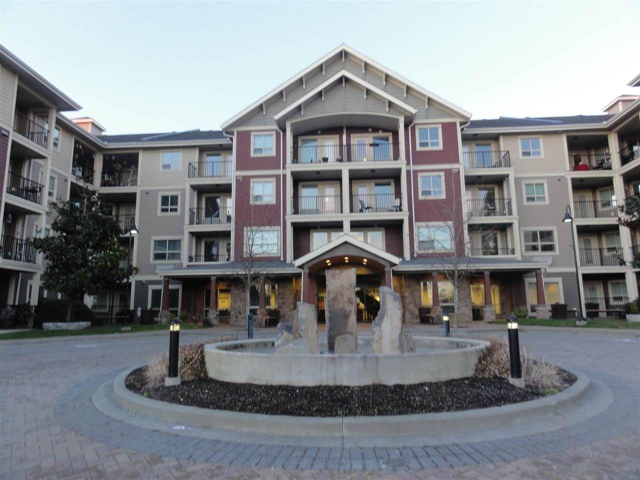 """Main Photo: 431 22323 48 Avenue in Langley: Murrayville Condo for sale in """"AVALON GARDENS"""" : MLS®# R2134591"""