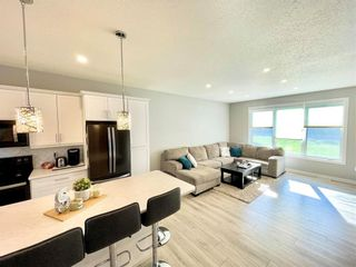 Photo 4: 346 3RD Street Northeast in Minnedosa: Residential for sale (R36 - Beautiful Plains)  : MLS®# 202116470