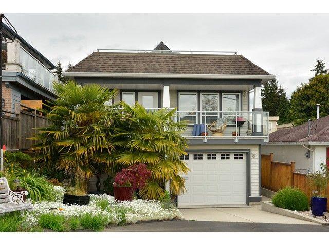"Main Photo: 952 STEVENS Street: White Rock House for sale in ""White Rock Hillside"" (South Surrey White Rock)  : MLS®# F1440900"