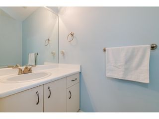 "Photo 17: 304 15991 THRIFT Avenue: White Rock Condo for sale in ""THE ARCADIAN"" (South Surrey White Rock)  : MLS®# R2426777"