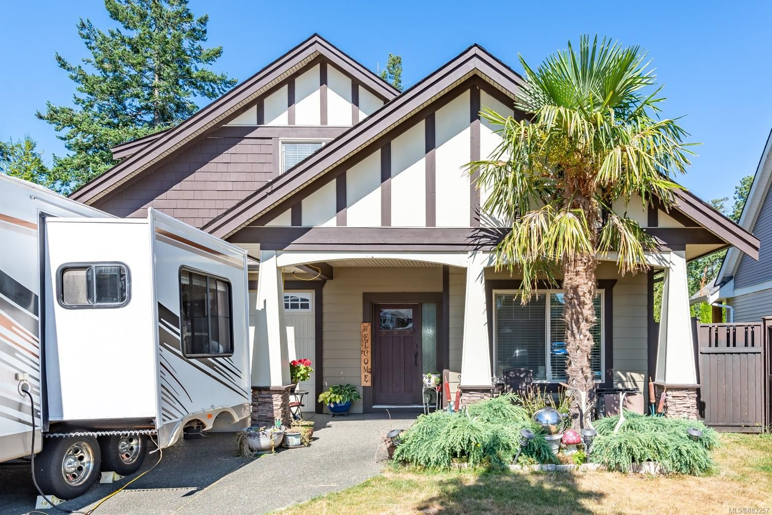 Main Photo: 311 Forester Ave in : CV Comox (Town of) House for sale (Comox Valley)  : MLS®# 883257