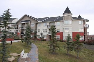 Photo 1: 320 26 VAL GARDENA View SW in Calgary: Springbank Hill Apartment for sale : MLS®# C4266820