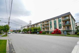 """Photo 3: 311 45744 SPADINA Avenue in Chilliwack: Chilliwack W Young-Well Condo for sale in """"Applewood Court"""" : MLS®# R2581802"""