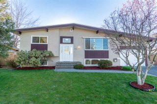 Photo 2: 10177 WEDGEWOOD Drive in Chilliwack: Fairfield Island House for sale : MLS®# R2568783