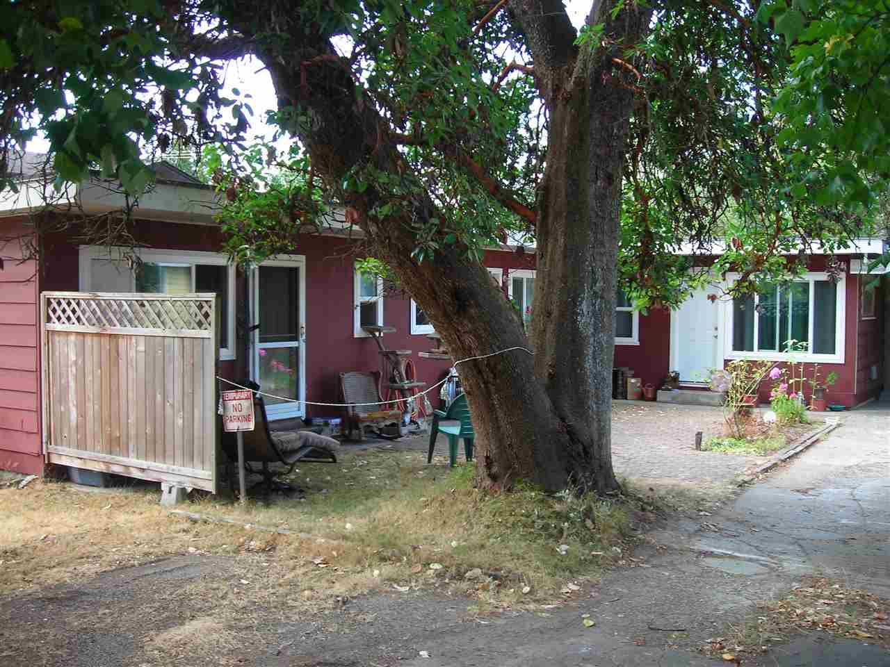 Main Photo: 5675 WHARF Avenue in Sechelt: Sechelt District Multifamily for sale (Sunshine Coast)  : MLS®# R2294412
