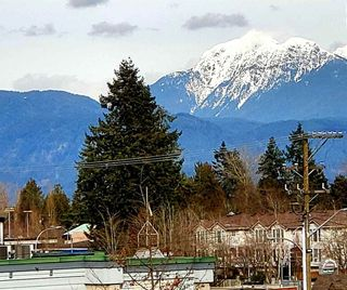 """Photo 2: 401 19130 FORD Road in Pitt Meadows: Central Meadows Condo for sale in """"BEACON SQUARE"""" : MLS®# R2546011"""
