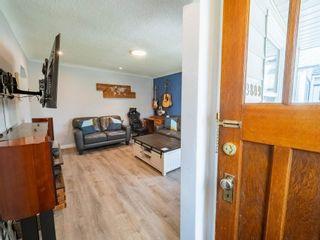 Photo 3: 9809 83 Avenue in Edmonton: Zone 15 House for sale : MLS®# E4242308