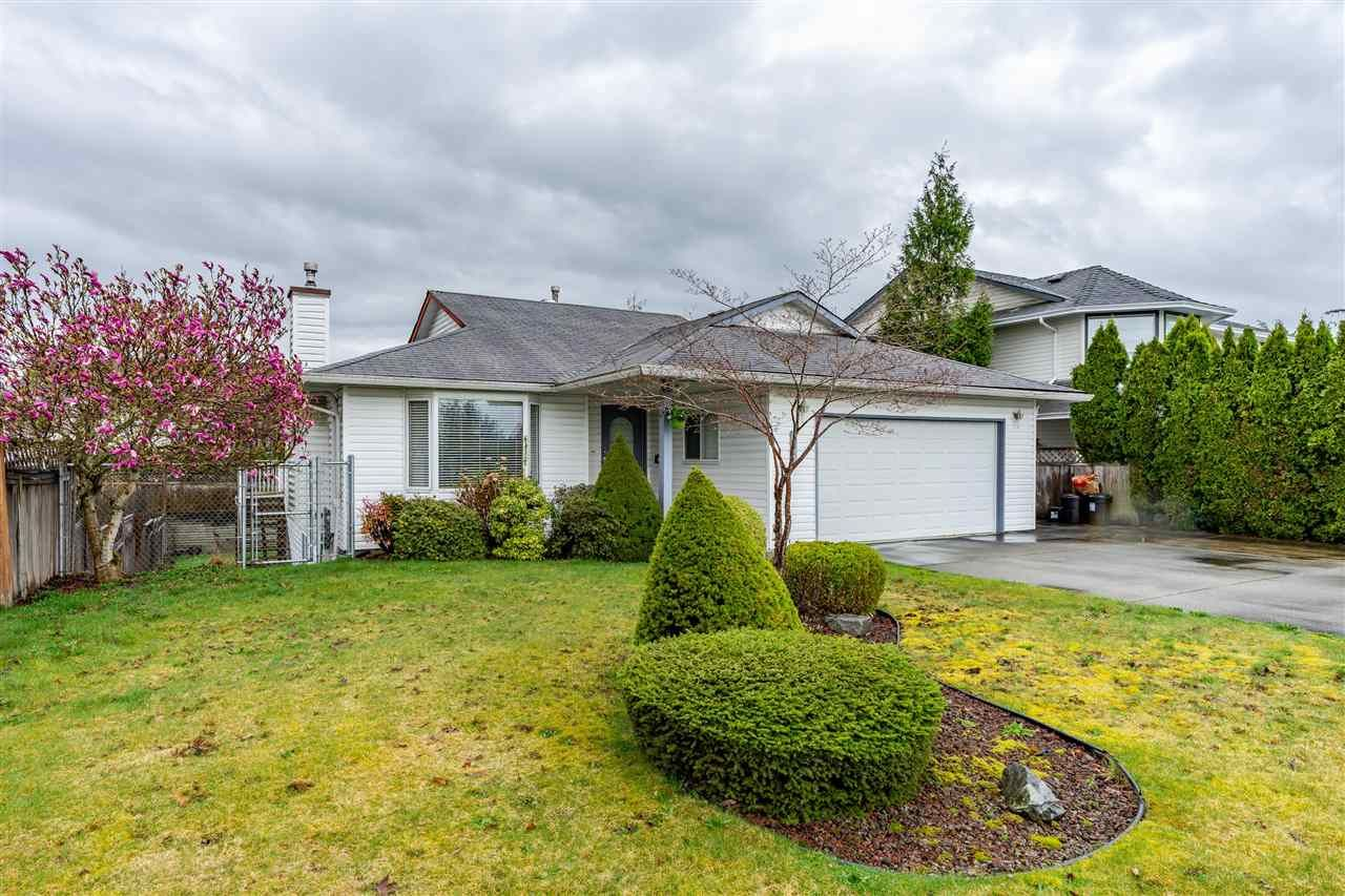 Main Photo: 8462 JENNINGS Street in Mission: Mission BC House for sale : MLS®# R2410781