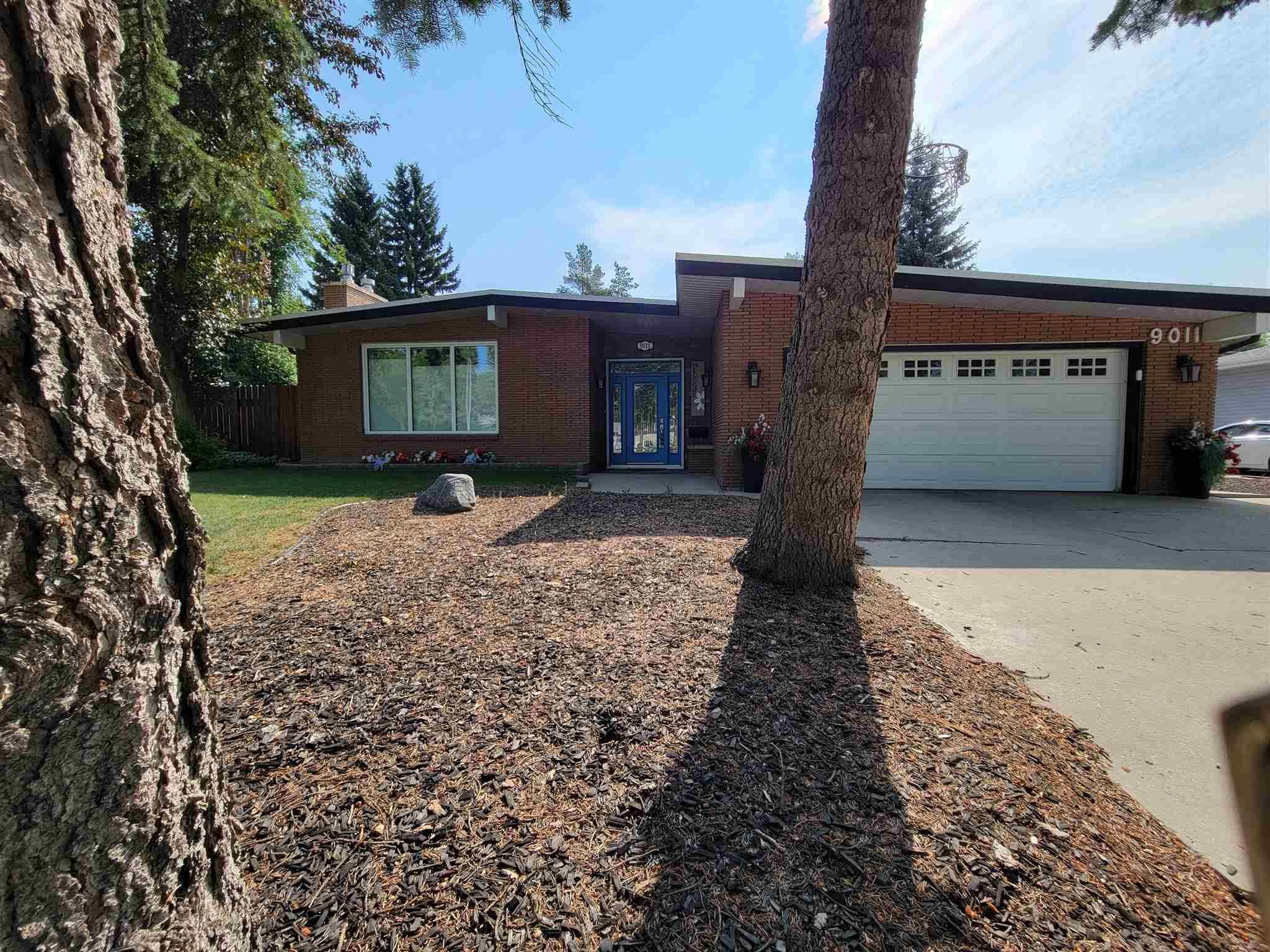 Main Photo: 9011 142 Street in Edmonton: Zone 10 House for sale : MLS®# E4254484