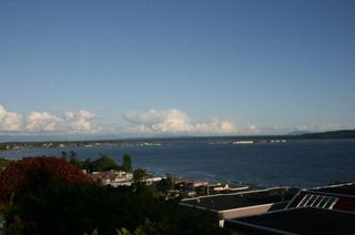 Photo 2: 15508 Royal Avenue in White Rock: Home for sale : MLS®# F1114436