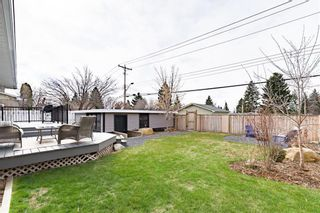 Photo 30: 143 Capri Avenue NW in Calgary: Charleswood Detached for sale : MLS®# A1114057