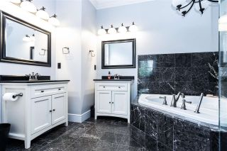 """Photo 19: 2238 CAMERON Crescent in Abbotsford: Abbotsford East House for sale in """"Deerfield Estates"""" : MLS®# R2581969"""
