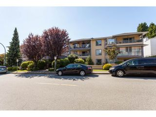 Photo 3: 200 1459 BLACKWOOD Street: White Rock Condo for sale (South Surrey White Rock)  : MLS®# R2491056