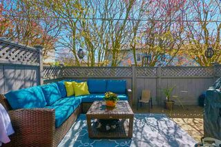 """Photo 23: 18 225 W 14TH Street in North Vancouver: Central Lonsdale Townhouse for sale in """"CARLTON COURT"""" : MLS®# R2567110"""