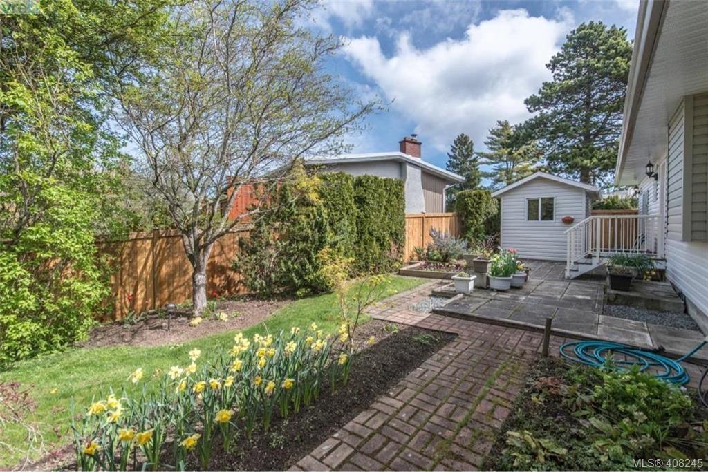 Photo 21: Photos: 546 Roseridge Pl in VICTORIA: SW Northridge House for sale (Saanich West)  : MLS®# 811318