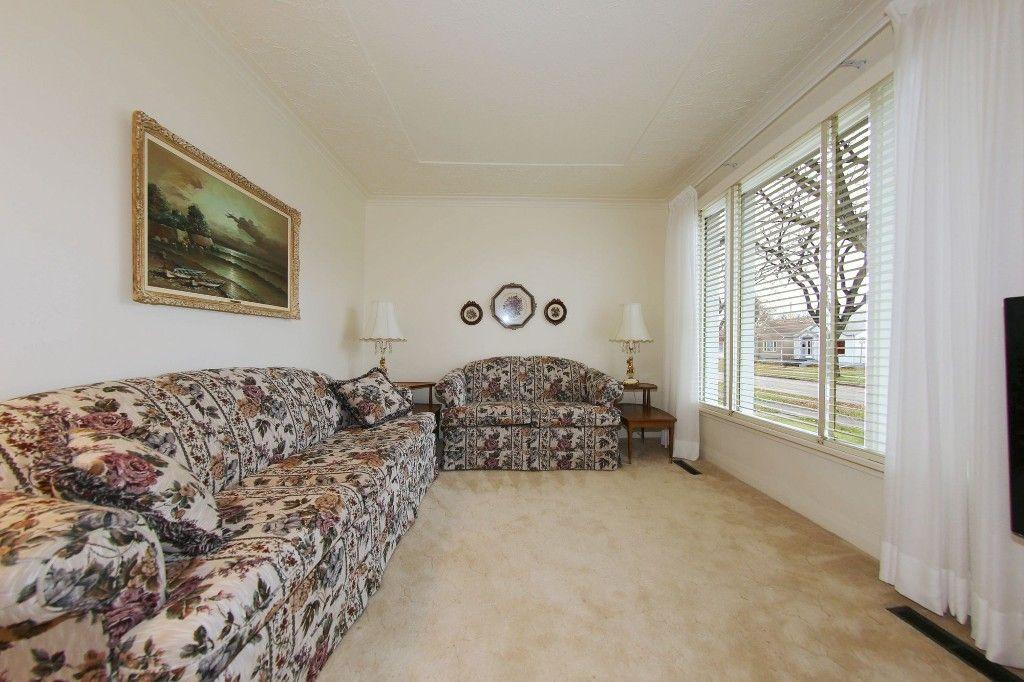 Photo 6: Photos: 899 Clifton Street in Winnipeg: West End Single Family Detached for sale (West Winnipeg)  : MLS®# 1529435