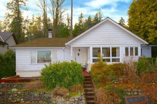 Photo 10: 449 HILLCREST Street in West Vancouver: Westmount WV House for sale : MLS®# R2536132