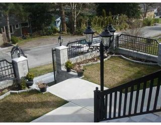"""Photo 3: 35 HOLDOM Avenue in Burnaby: Capitol Hill BN House for sale in """"CAPITOL HILL"""" (Burnaby North)  : MLS®# V756730"""