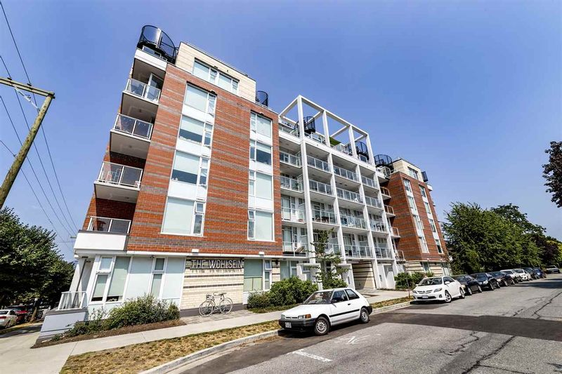 FEATURED LISTING: 405 - 311 6TH Avenue East Vancouver