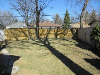 Photo 12: 327 Belvidere Street in WINNIPEG: St James Residential for sale (West Winnipeg)  : MLS®# 1308276