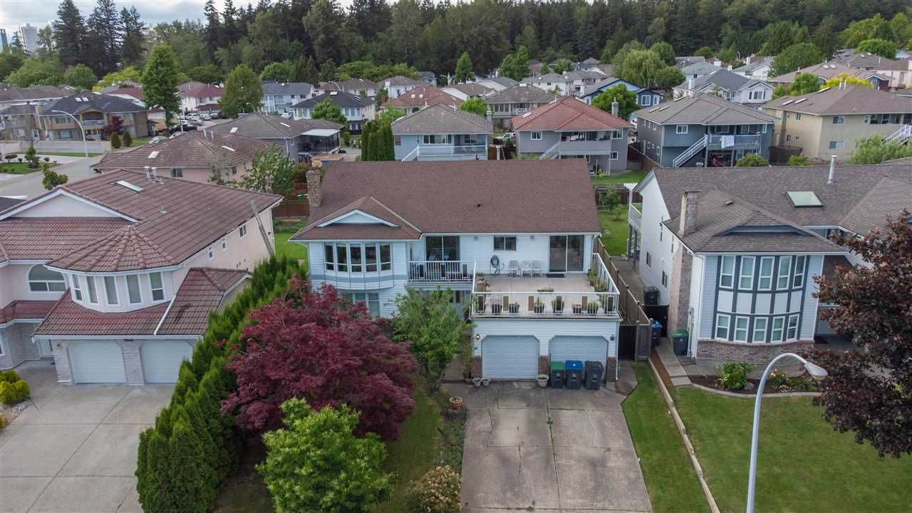 Main Photo: 14271 90 Avenue in Surrey: Bear Creek Green Timbers House for sale : MLS®# R2586686