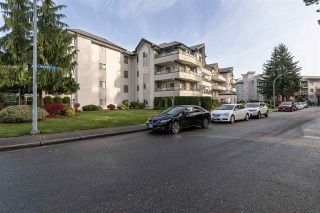 """Photo 33: 302 2526 LAKEVIEW Crescent in Abbotsford: Central Abbotsford Condo for sale in """"MILL SPRING MANOR"""" : MLS®# R2519449"""