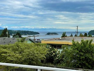 Photo 2: 1785 Argyle Ave in : Na Departure Bay House for sale (Nanaimo)  : MLS®# 878789