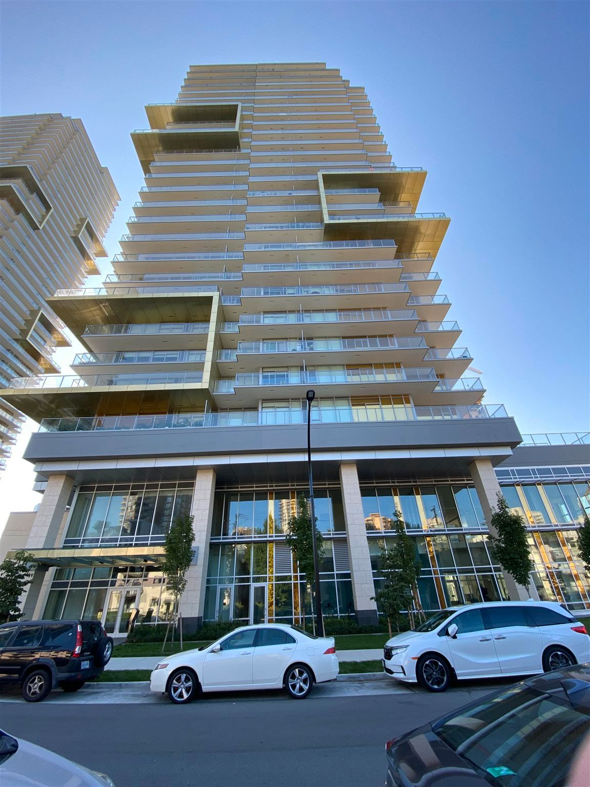"""Photo 2: Photos: 308 6288 CASSIE Avenue in Burnaby: Metrotown Condo for sale in """"GOLD HOUSE SOUTH TOWER"""" (Burnaby South)  : MLS®# R2606367"""