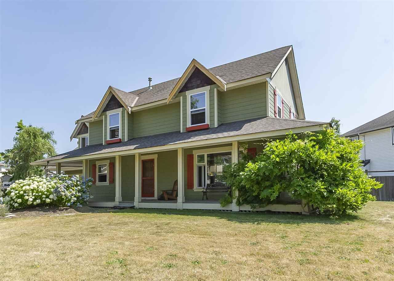 Main Photo: 31692 AMBERPOINT Place in Abbotsford: Abbotsford West House for sale : MLS®# R2312151