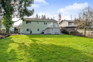Photo 18: 17027 HEREFORD PLACE in Surrey: Cloverdale BC House for sale (Cloverdale)  : MLS®# R2435487