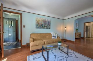 Photo 5: 28 BALMORAL Avenue in London: East C Residential for sale (East)  : MLS®# 40163009