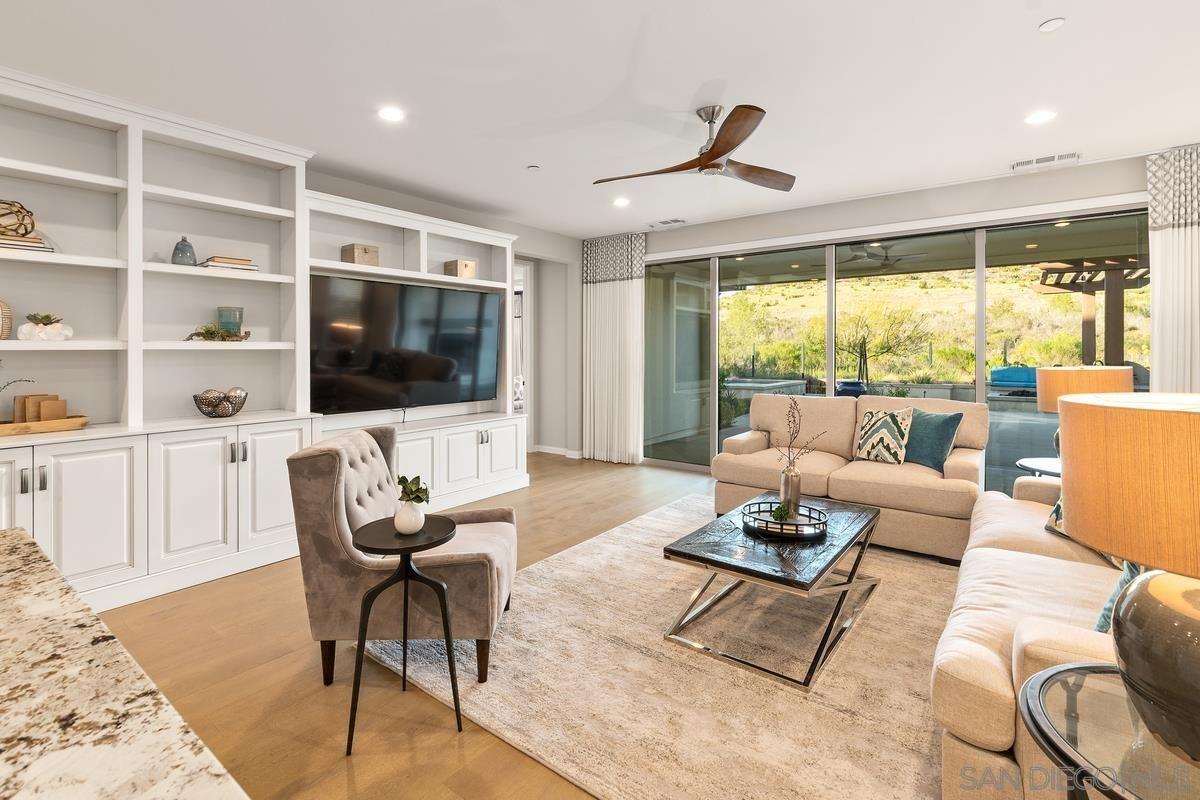Photo 4: Photos: RANCHO BERNARDO House for sale : 3 bedrooms : 8012 Auberge Circle in San Diego