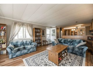 """Photo 4: 157 27111 0 Avenue in Langley: Aldergrove Langley Manufactured Home for sale in """"Pioneer Park"""" : MLS®# R2597222"""