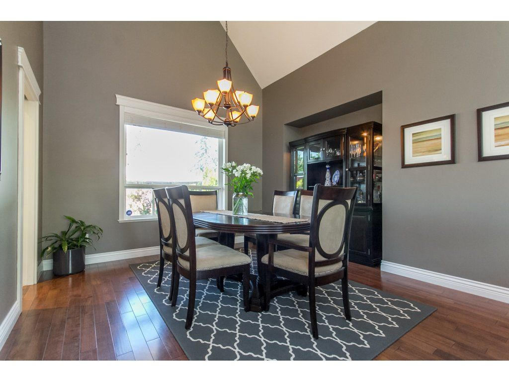 "Photo 11: Photos: 21113 44A Avenue in Langley: Brookswood Langley House for sale in ""CEDAR RIDGE"" : MLS®# R2173937"