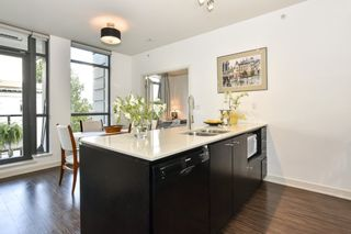 """Photo 11: 404 2851 HEATHER Street in Vancouver: Fairview VW Condo for sale in """"Tapestry"""" (Vancouver West)  : MLS®# R2512313"""