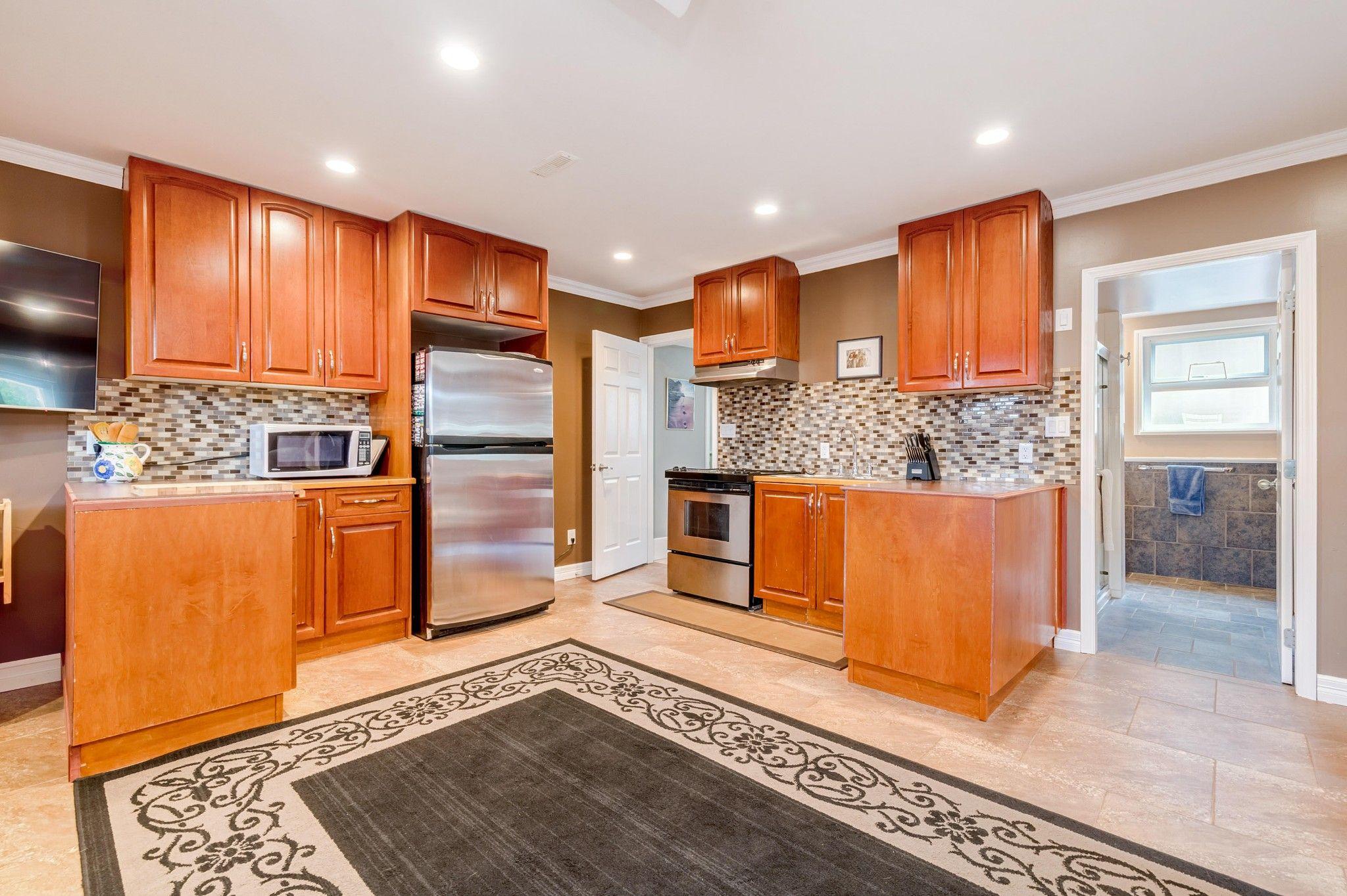 Photo 15: Photos:  in : Southwest Maple Ridge House for sale (Maple Ridge)  : MLS®# R2455980